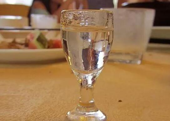 白酒怎么品