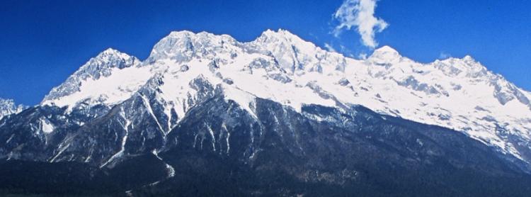 玉龙雪山海拔高度多少