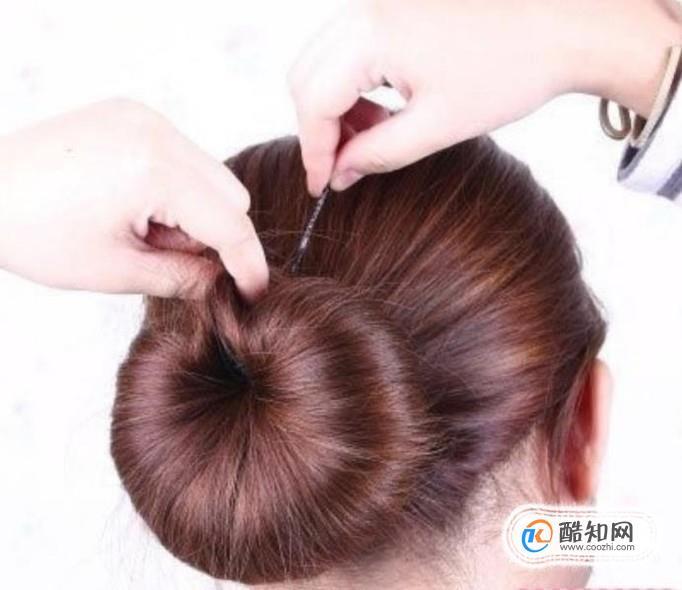 图文解析韩式齐刘海可爱花苞头扎法教程优质
