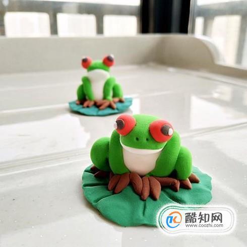 怎样用超轻粘土做一只旅行青蛙优质