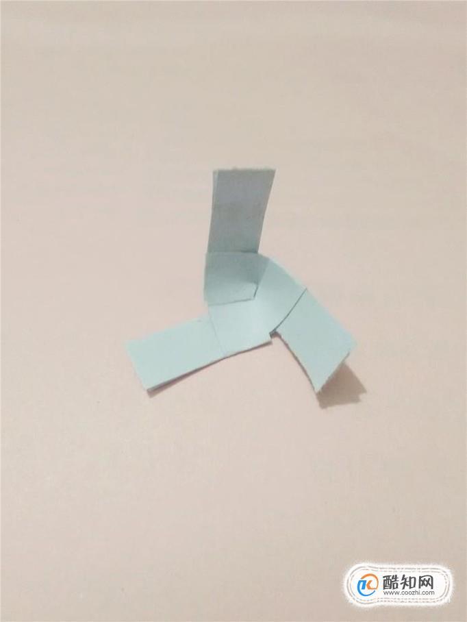 教你用纸制作简易的三叶小风车-传奇3私服