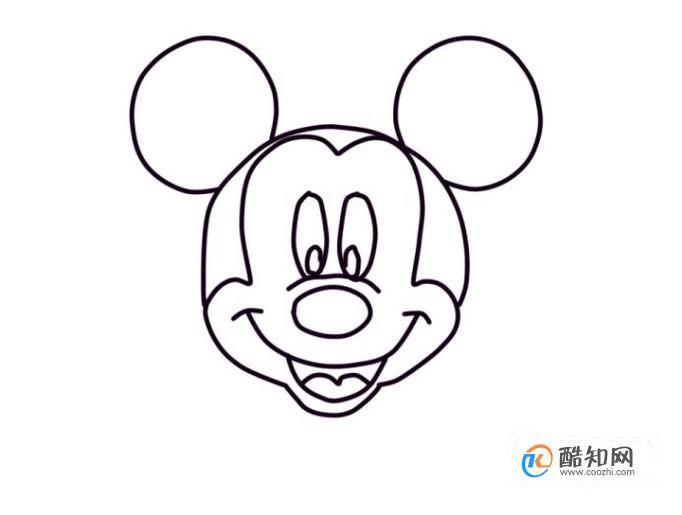 在米奇头顶左右两侧,各画一个圆形,表示两个大耳朵.