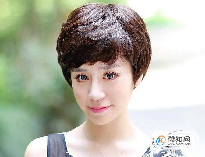 中年女人剪一个齐耳短发会很时髦,这种发型可以减龄,让整个人看起来更