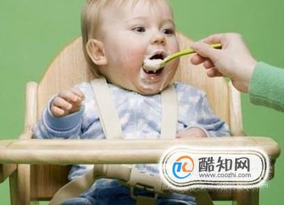 4个月的宝宝能吃辅食吗?