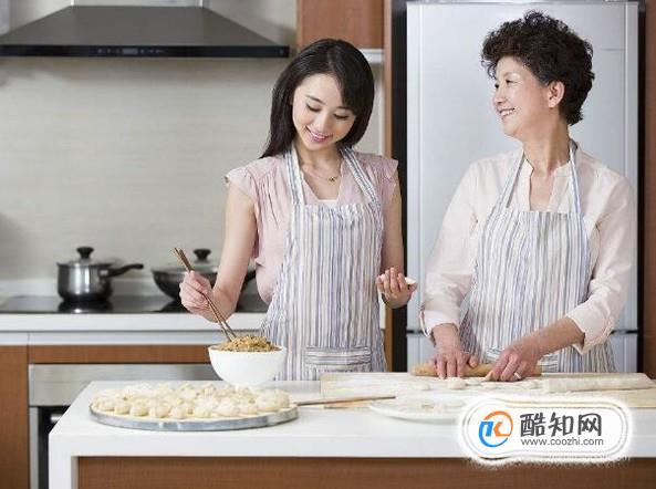 女生第一次到公婆家去应该帮忙做饭吗?