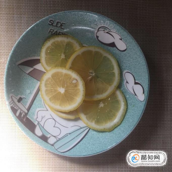 如何自制蜂蜜柠檬水,蜂蜜柠檬水的简单做法