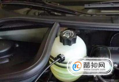 汽车防冻液的作用 水不可代替防冻液