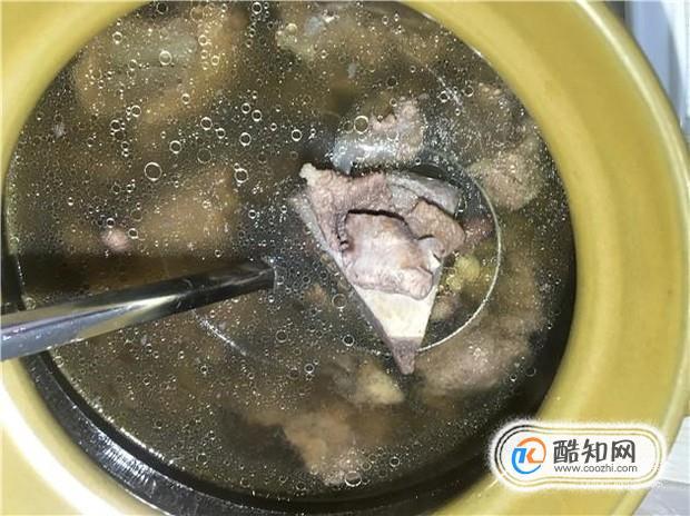 黄豆炖骨头汤的家常做法