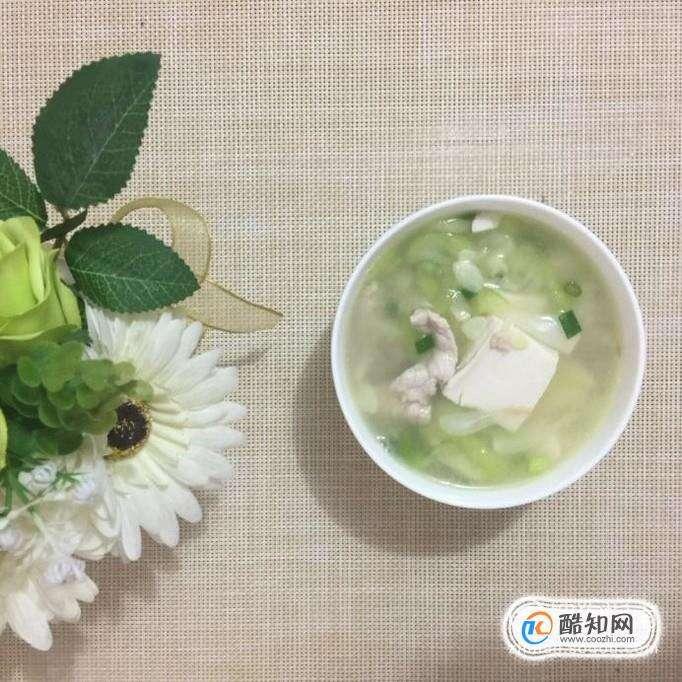 如何做丝瓜豆腐瘦肉汤?