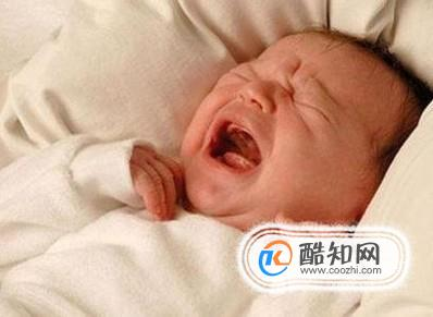 寶寶夜里哭鬧的5種原因