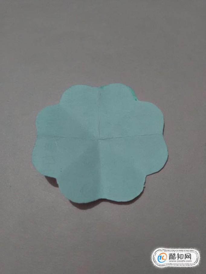 怎樣快速的剪出花瓣均勻的紙花