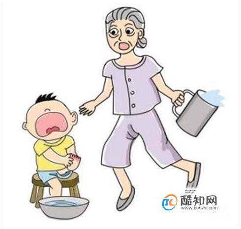 在家被开水烫伤的紧急处理方法,父母必须看