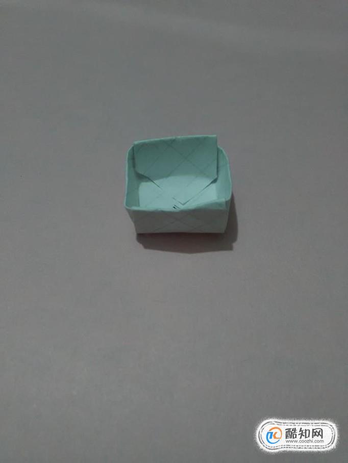 (折纸教程)怎样折一个漂亮的盒子