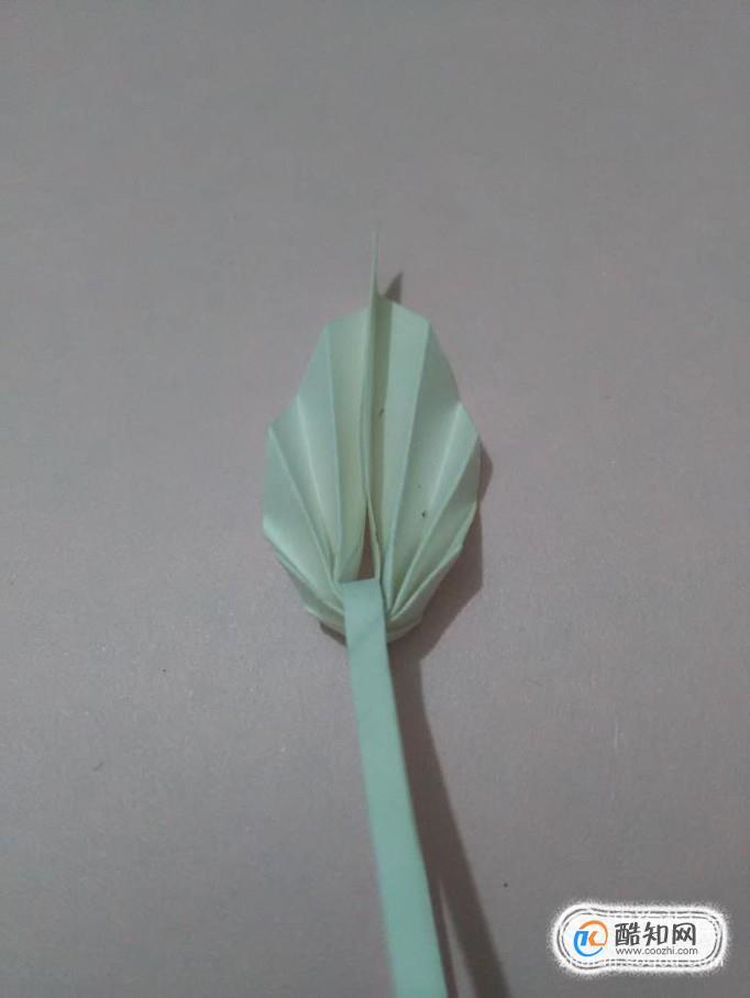 怎样用纸折出简单好看的叶子?
