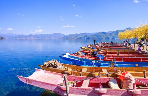 你认为云南省有哪些适合旅游的地方?