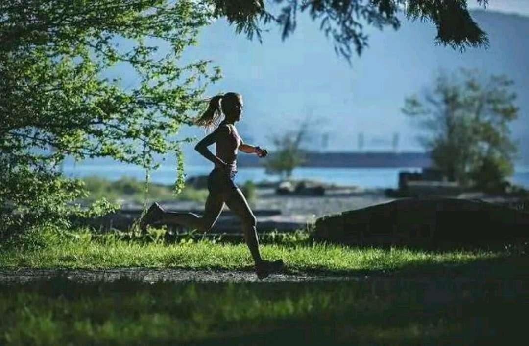 每天跑步一小时,坚持一年,身体会发生怎样的变化?