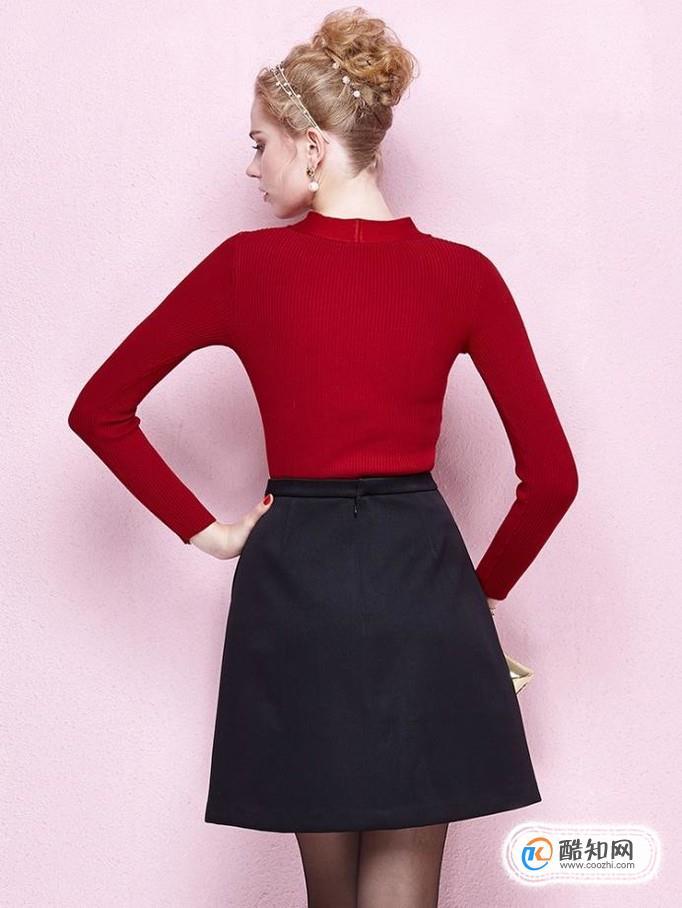 大红色毛衣下身怎么搭配?