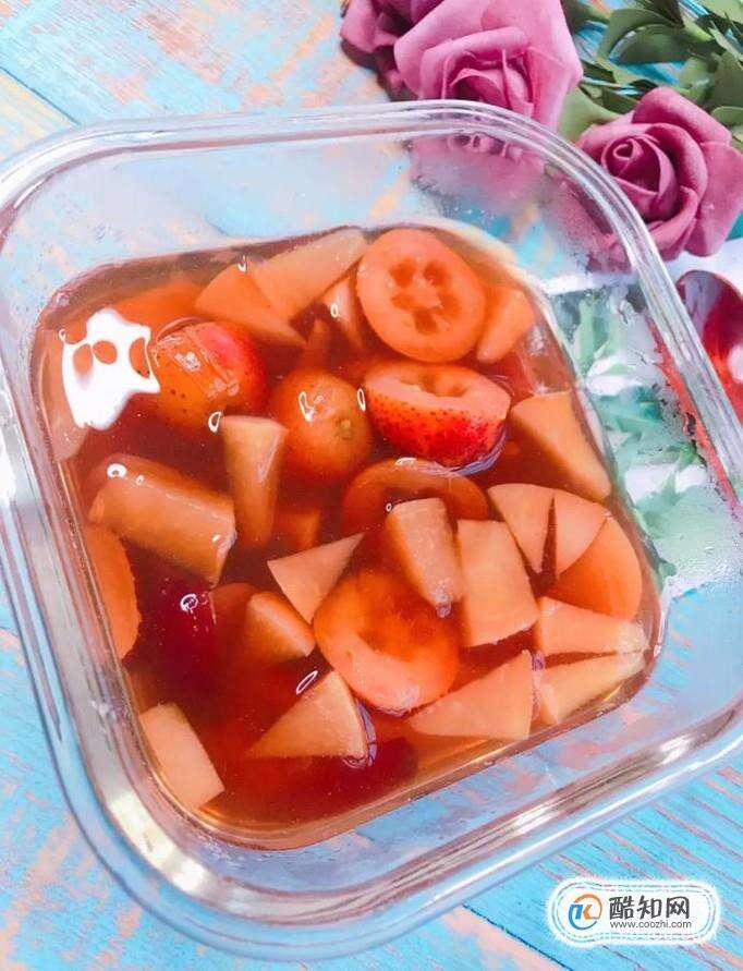 如何做山楂红枣苹果水?