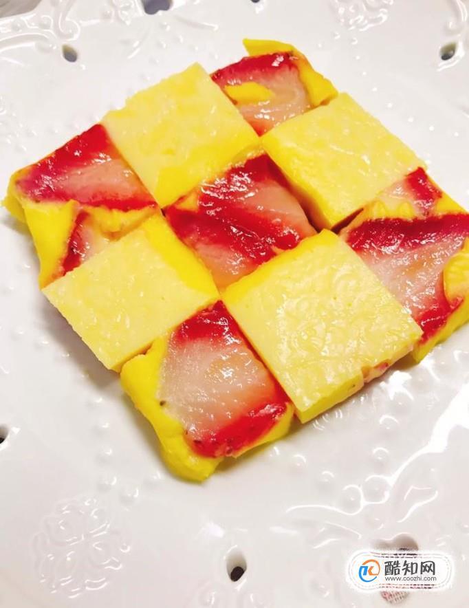 如何做草莓酸奶糕?
