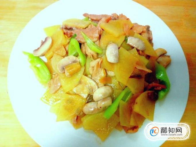 口蘑炒土豆片的家常做法
