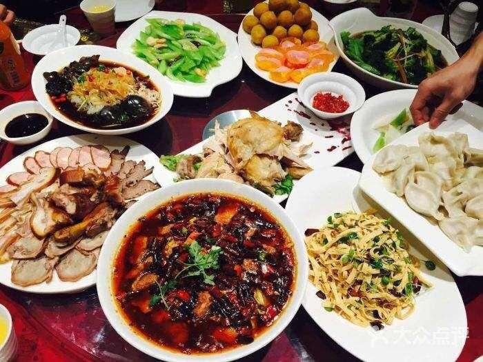 25道特色传统东北菜介绍,游客必点最流行的特色菜