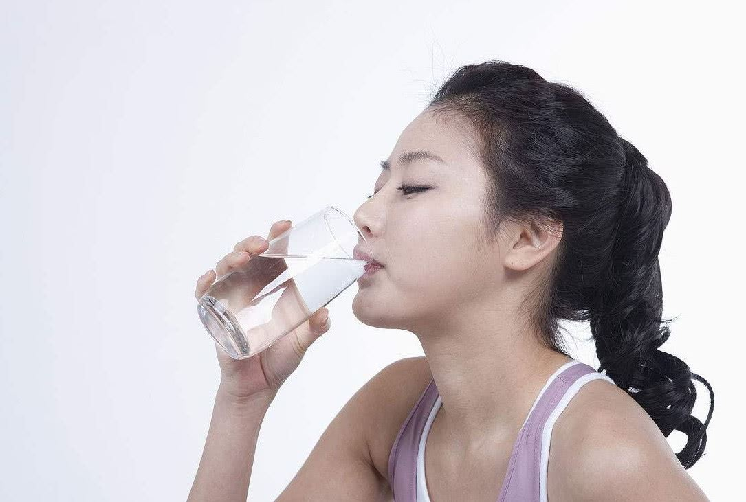 为啥一喝水就想排尿是什么原因?