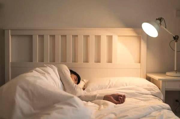 女性裸睡对身体有什么好处?