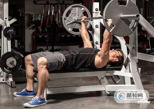胸肌厚度训练技巧,胸肌厚度训练要注意什么