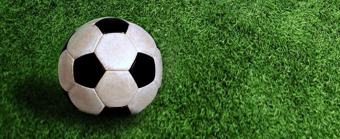 為什么足球是黑白兩色的?