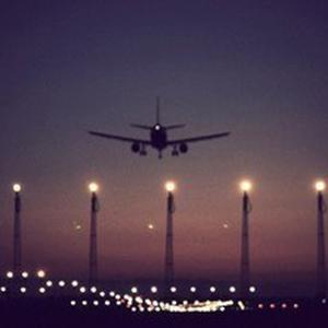 紅眼航班什么意思?