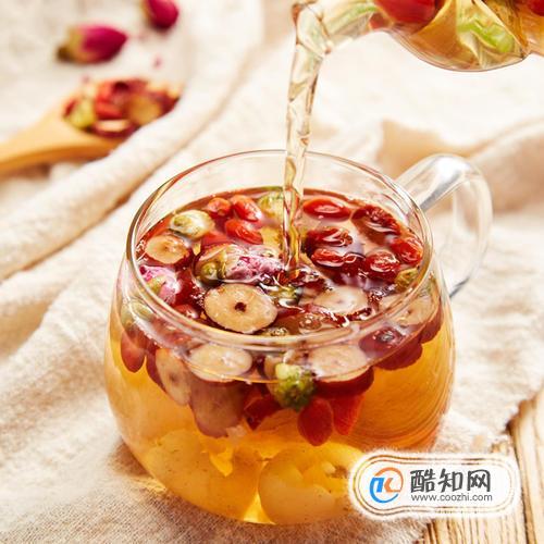 红枣泡水的做法及功效