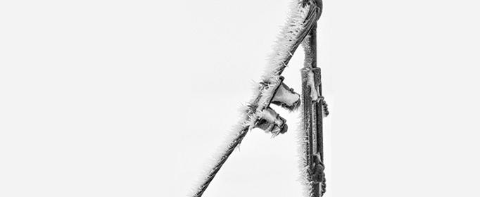 为什么冬天会感觉铁比木头冷?