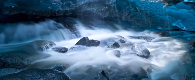 四月的冰河的歇后语是什么?
