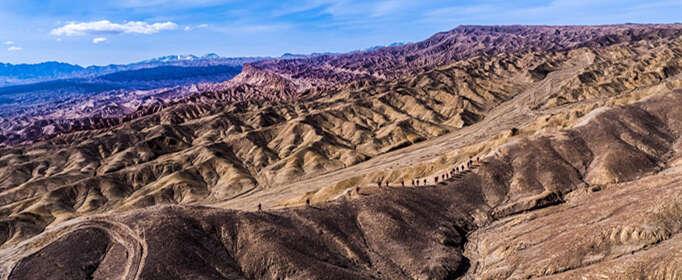 柴达木盆地是位于我国哪里的什么高原?